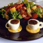 Салат с виноградом готов