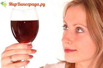 Можно ли кормящим красное вино