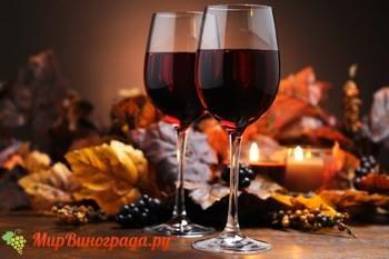 Почему красное вино красное