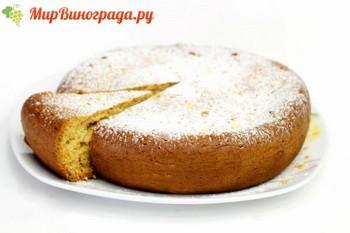 Пирог с изюмом на кефире