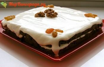 Торт с изюмом и грецкими орехами